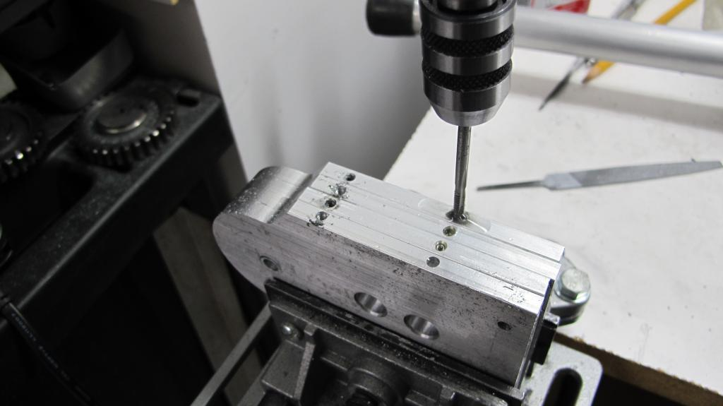 Tapping gear train.jpg